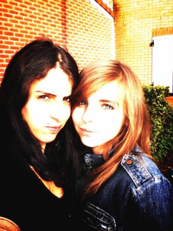 Caroline & Laetitia (L)