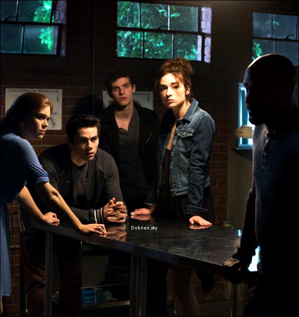 . Stills  Des nouveaux stills de l'épisode 11 de Teen Wolf et The intership! .