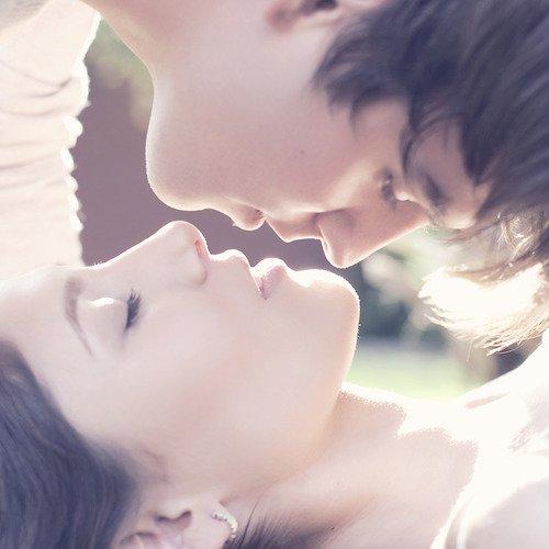 - Il n'y a pas d'amitié qui tienne à un secret surpris, surtout quand ce secret intéresse l'orgueil. -