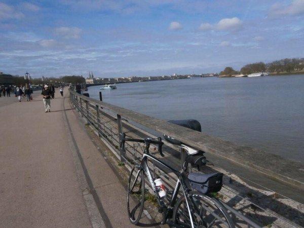 Sur la rive droite de la Garonne