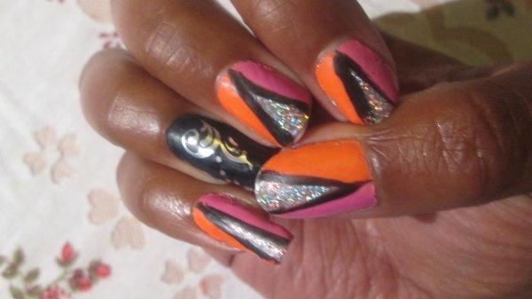 et bien sur quand je fais mes ongles, je reçois les vernis ainsi que les catalogues...