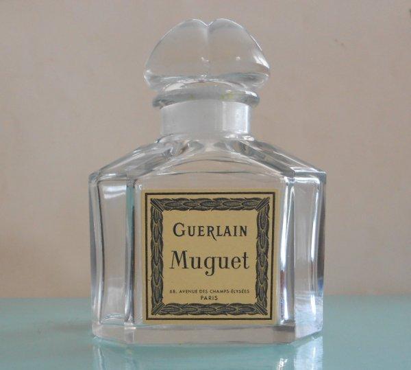 FLACON   BOUCHON  QUADRILOBE