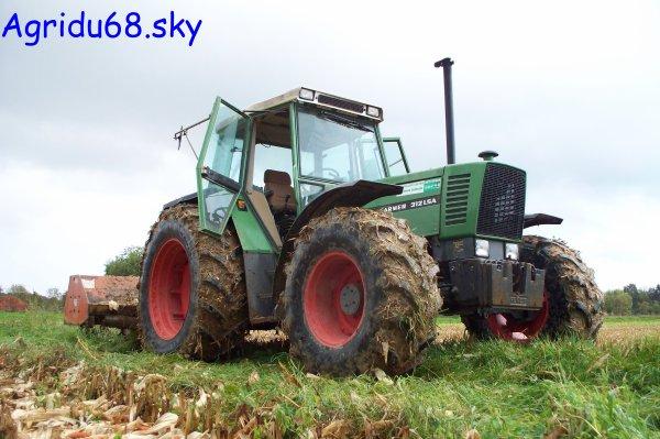 Fendt Farmer 312 LSA + Broyeur 3,20mètres (à l'exploitation ou il y a le 412) (16/10/10)