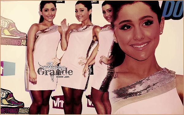 . • Découvrez Ariana J. Grande, une jeune fille de 18 ans qui ne manque pas de talents !   .