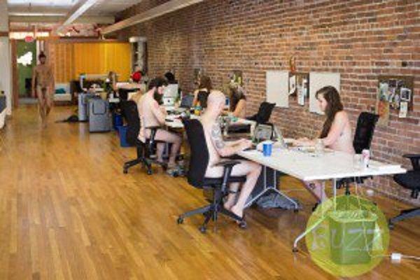 Travailler à poil, augmente la productivité! - Buzz