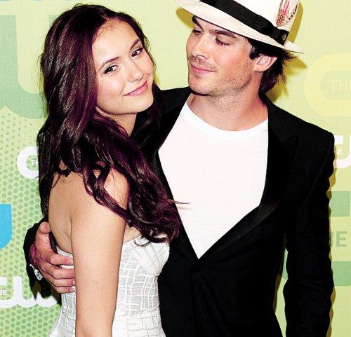 """""""Le héros de «Vampire Diaries» vivrait une idylle avec sa partenaire à l'écran, Nina Dobrev."""""""