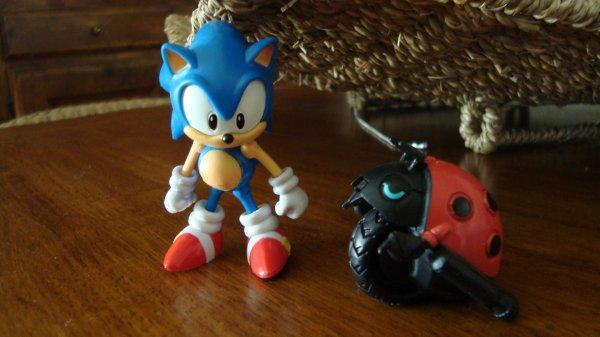 Figurine Sonic édition 20th: Sonic the hedgehog & Moto bug (1991)