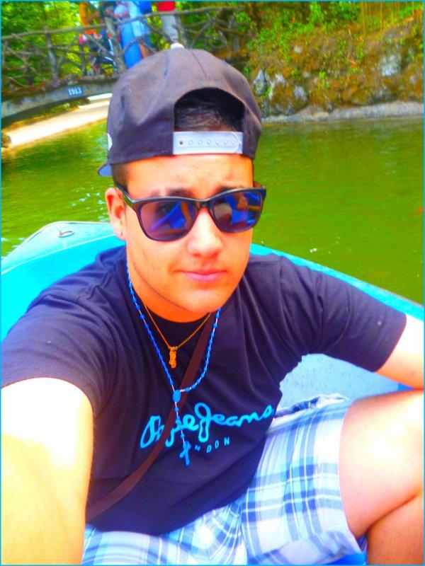 - Lui, c'est l'Homme parfait, c'est l'Homme de ma Vie.. ♥