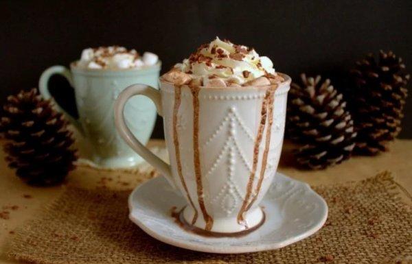Bon Lundi et bonne semaine mes Dames petit chocolat chaux pour vous bisous (l) :) :)