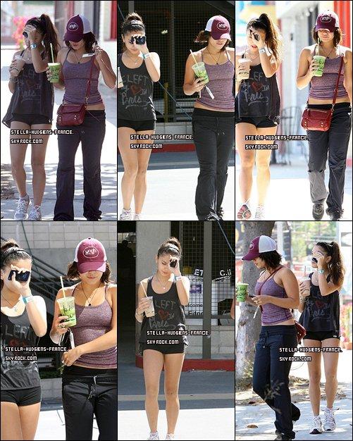 . 03/10/11 - Vanessa et Stella sortant de la Gym  .