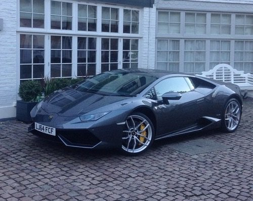 Lamborghini aventador noires (non métallisées)