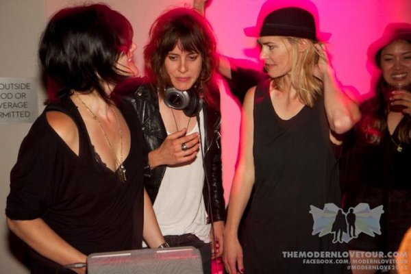 Leisha Hailey, Camila Grey & Kate moennig