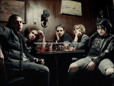 NEWS : Photo de My Chemical Romance en 2003, signée Justin Borucki.