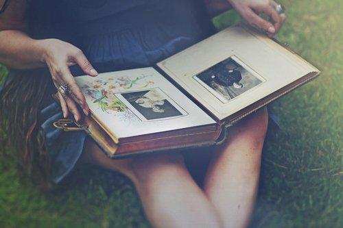 """""""Les instants les plus grands sont toujours au-delà du temps."""" -Stefan Zweig-"""
