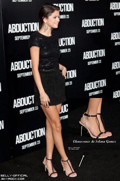 Selena Gomez s'est rendu a l'avant première du film Abduction...