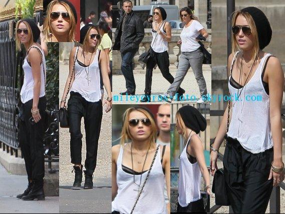Miley Cyrus se baladant dans les rues de Paris. Elle était comme toujours magnifique !