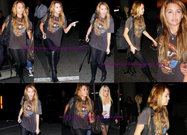 Miley Cyrus à l'aéroport LAX !