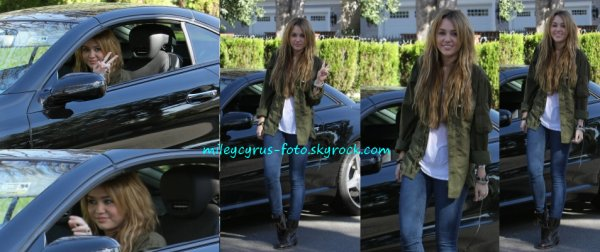 Nouvelles photos lorsque Miley posait hier à Los Angeles. Sublime comme toujours !