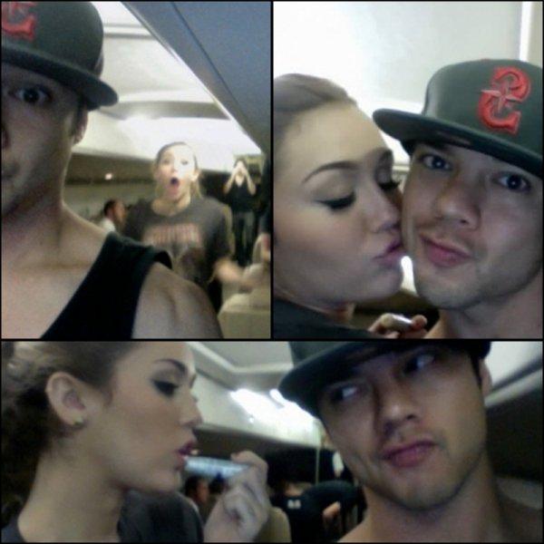 Nouvelles photos personnelles de Miley dans un avion, s'amusant avec son danseur Myke Dee.
