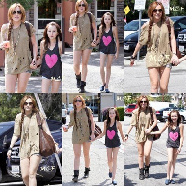 Comme Miley nous l'avait annoncé hier (5 avril) sur son Twitter, elle est sortie avec sa petite s½ur Noah chez Coffee Bean à Toluca Lake