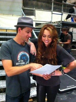 Miley invite des enfants pour les répétitions du Gypsy Heart