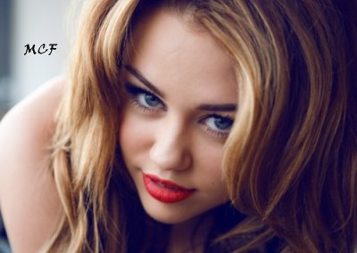 3 Nouvelles photos de Miley totalement magnifique, prise par Vijat Mohindra.