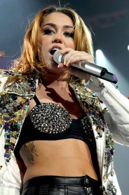 Miley Cyrus : un succès pour Hollywood Records !!!