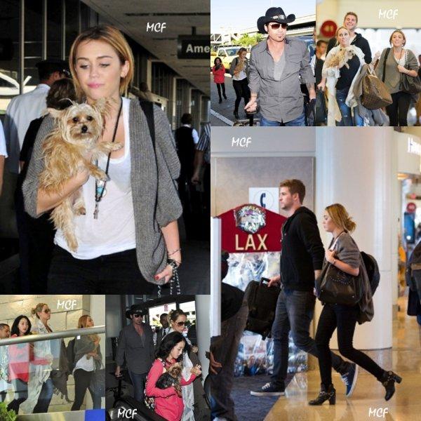 Miley et sa famille à l'aéroport LAX !!!