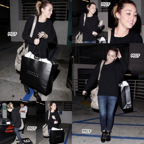 Miley est allée faire un peu de shopping (1er novembre) avec son ami photographe Vijat chez Barneys New York !!!