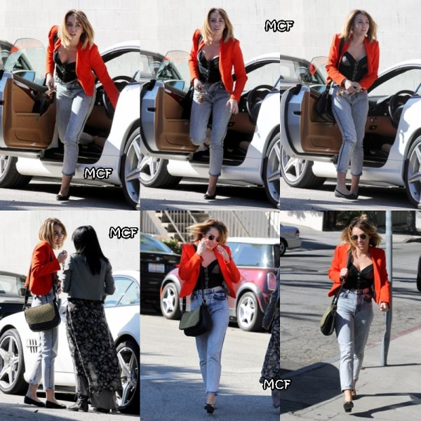Miley chez California Pizza Kitchen !!!