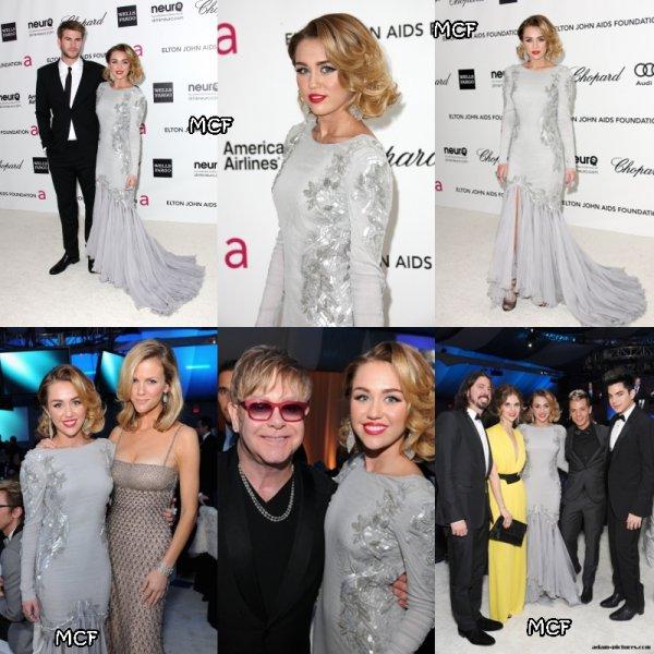 Le couple Miley/Liam n'est pas passé inaperçu hier soir à Los Angeles. Dans une magnifique robe Roberto Cavalli, avec des bijoux Lorraine Schwartz et des chaussures Jimmy Choo, Miley était radieuse devant les photographes. Elle s'est rendue à la fête organisée par Elton John ainsi qu'à la Vanity Fair Party !!!