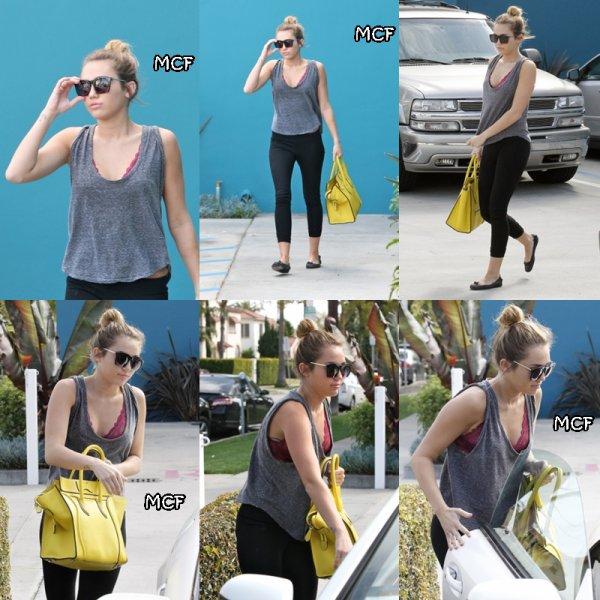 Miley a été aperçu hier sortant de son cour habituel de Pilate !!!