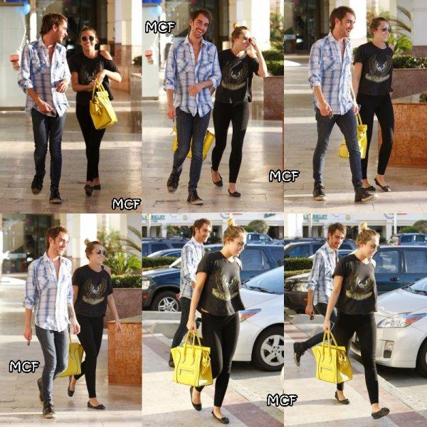 Miley et son ami Cheyne se promenant à Studio City hier (2 mars) !!!