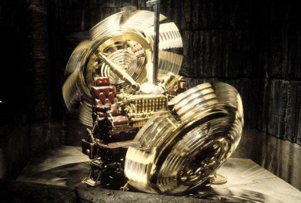 """* WELLS, """"La Machine à explorer le Temps"""" - l'an 802 701*"""