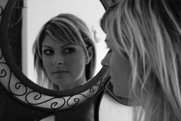 The mirror. Partie 1