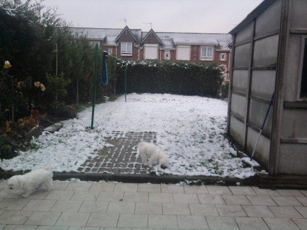 Dans la neige ^^