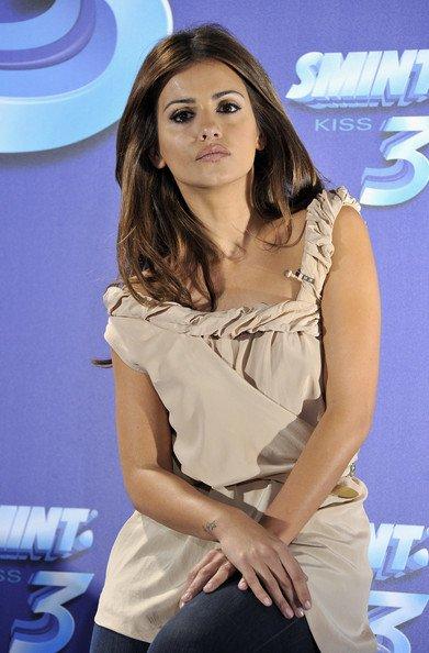 ~ 17/11/2010 - Moni présente à la promo de « Smint Kiss 3 »