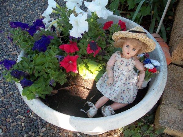 14 juillet bleuette et mon jardin pavoisent pour célébrer la fete nationale