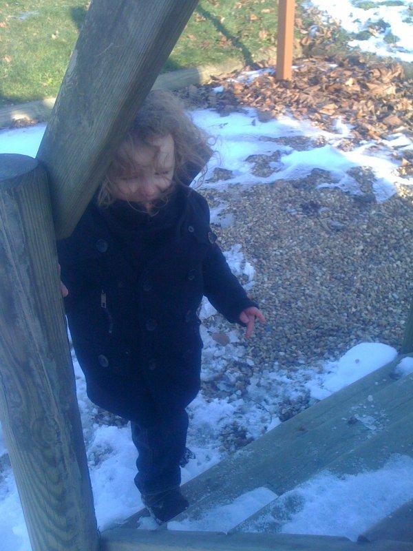 même avec la neige on a joué dehors avec maman !