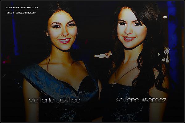 VICTORIA JUSTICE ET SELENA GOMEZ : DEUX CÉLÉBRITÉS PAS SI DIFFÉRENTES QUE ÇA !    __♦ Issues de deux chaînes de séries télévisées différentes, Victoria Justice (connue pour son rôle dans Victorious sur Nickelodeon) et Selena Gomez (connue pour son rôle dans les Sorciers de Waverly Place sur Disney Channel) partagent de nombreux points communs. Malgré le fait que 'les deux stars ont leurs parents divorcés et soient toutes deux chanteuses et actrices, elles ont aussi, ou le sont toujours, été très proche de Taylor Lautner. Victoria est, elle, une amie d'enfance de Taylor qu'elle connait depuis l'âge de 11 ans et serait sortit avec celui-ci ; Quand à Selena elle s'est rapprochée du jeune homme en 2009 suite au fait que les deux stars tournaient dans le même lieu, et aurait ainsi vu une idylle naissante entre les deux ados. __♦ Mais c'est en Décembre 2010 lors des « Hollywood Style Awards », que l'on voit les deux miss poser ensemble pour la première fois (voir photo). Article en collaboration avec Selena-Gomez.skyrock.com !