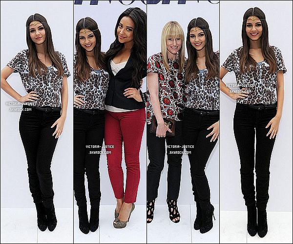 11/09/11 Victoria était au défilé du magazine Teen Vogue : Declare Your Denim !    Vos avis ? Elle a été vu en comagnie de Shay Mitchel, Amy Astley, Omario et puis d'Erica Dasher.