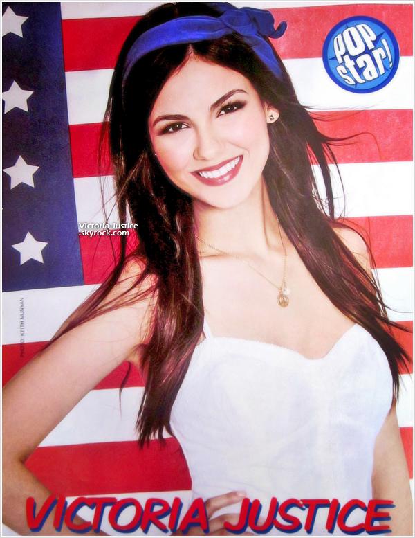 Scan de Popstar Magazine pour le mois de Septembre.