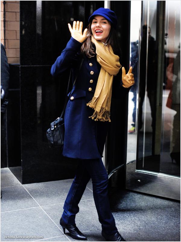7/02/13   Victoria a quitté son hôtel de New York City pour aller en ville puis y est rentrée de nouveau. Vos avis?
