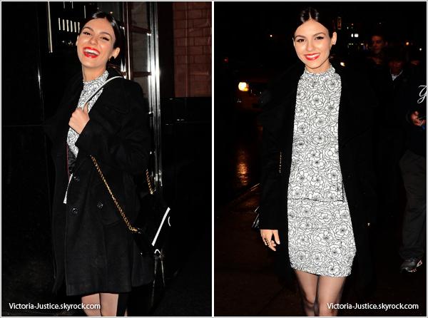 11/02/13   Victoria se rendait à la Mercedes-Benz Fashion Week d'Alice + Olivia par Stacey Bendet dans New York.