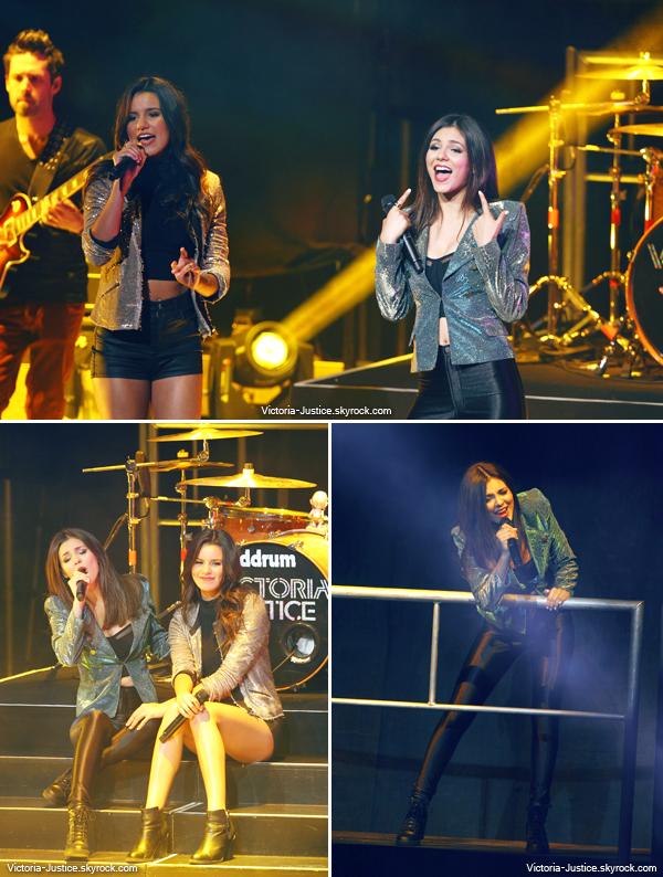 21/06/13   Victoria et sa soeur ont comme prévu ouvert la tournée des BTR au Gibson Amphitheatre à Los Angeles