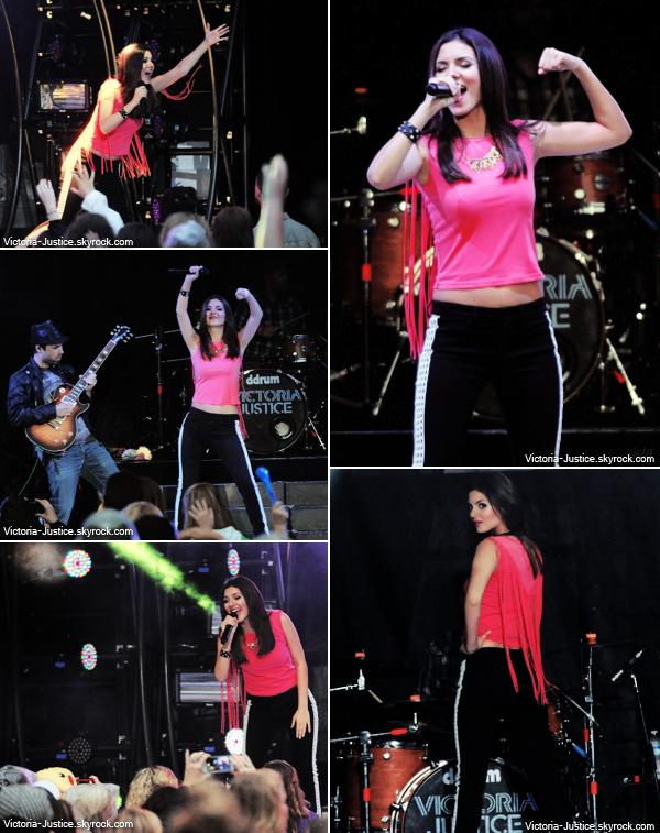 3 Juillet 2013 | Vic' chantait durant le SBT au GA Chastain Park Amphitheatre, Atlanta