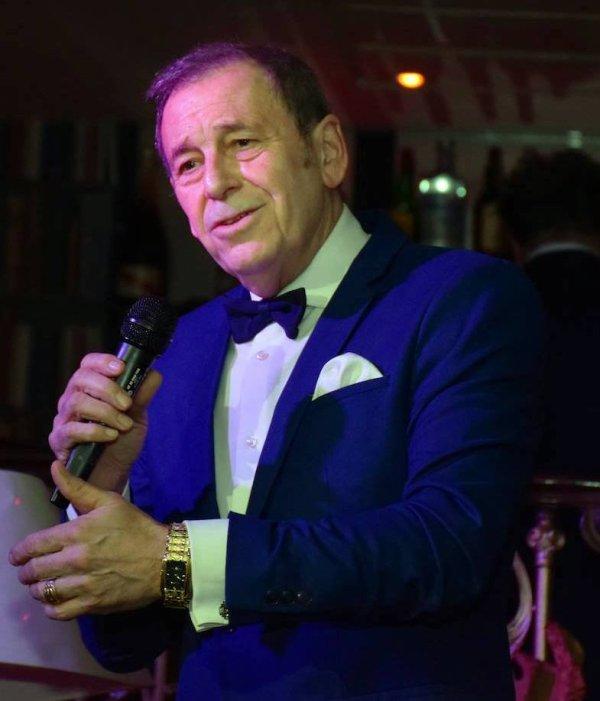 Samedi 20 mai 2017 à 21h L'Musica vous présente Le crooner du rire Jean-Jacques De Launay au 32 boulevard Jean Jaurès