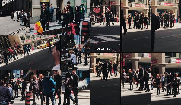 _____►TORONTO | 23-26 AVRIL 2017 : _Depuis quelques jours, le cast de la série Shadowhunters a été aperçu dans les rues de Toronto alors qu'ils tournaient les _épisodes 2x19 et 2x20. Les photos ont été prise de loin mais ça fait quand même plaisir de voir le cast. [+] Voici le nouveau _trailer de la saison 2B. Je ne sais pas vous mais moi, j'ai vraiment hâte que la série reprenne. Vivement le 5 juin.