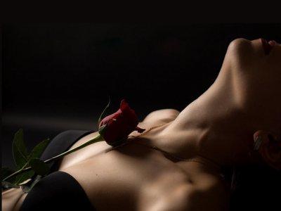 ...Je suis La RoSe RougE......Je suis La RoSe RougE...