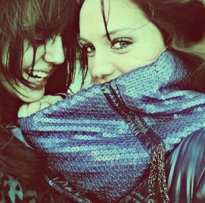 La difference entre l'amour et l'amitié c'est que l'amour vous fait tombé et l'amitié vous empêcher de tomber